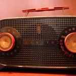 O vídeo não matou a rádio (e a Internet também não)