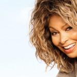 Tina Turner, um ícone tangível num passeio à beira-mar