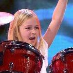 Já conhece a menina que venceu o Got Talent a tocar música pesada?