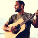 Temas universais e transmissíveis: eis as novas músicas de Jack Johnson